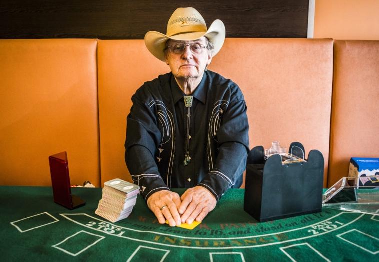 Walter Nevada beim Black Jack. Foto: Christopher Mavrič